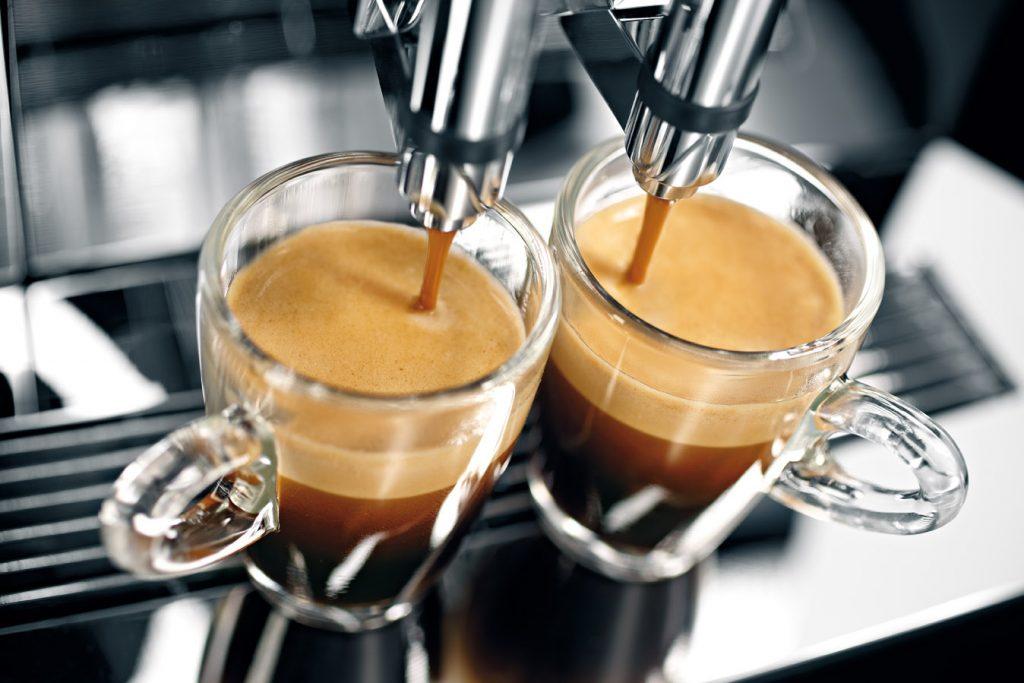 máy bán cà phê tự động